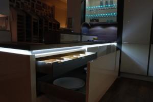 White Handle-less LED