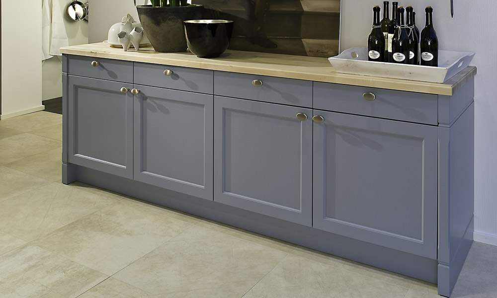 Duck egg blue shaker kitchen style for Duck egg blue kitchen island