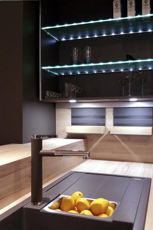 German kitchen design black rok uckfield for Kitchen design uckfield