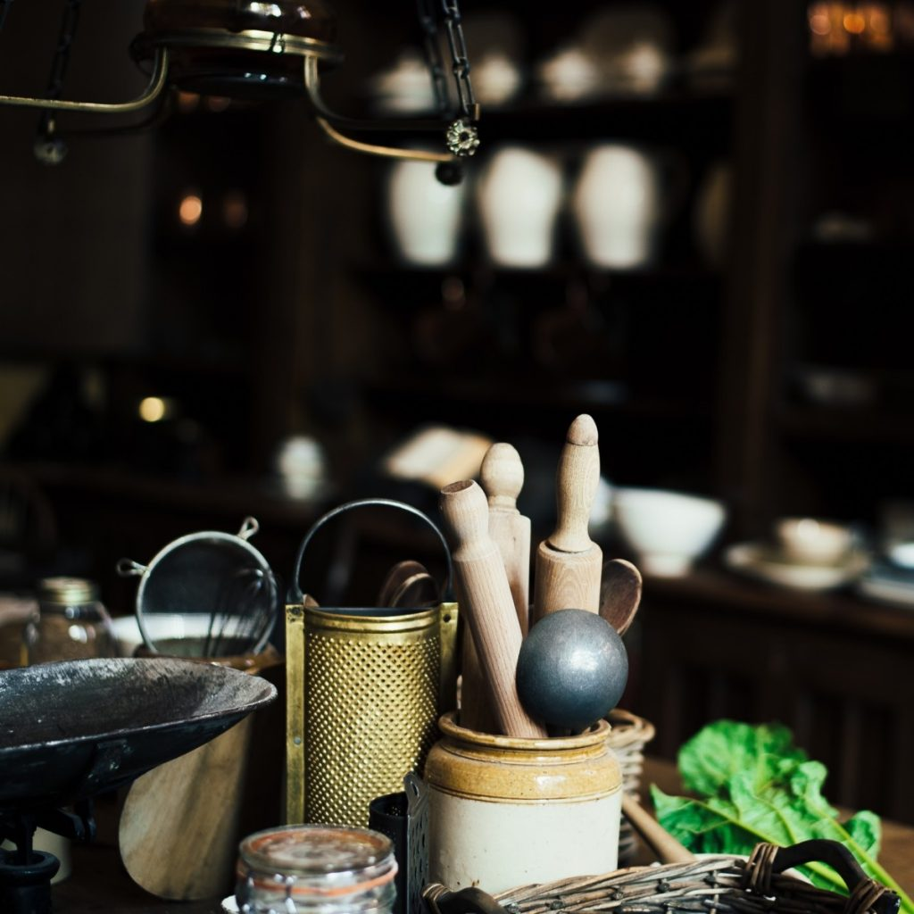 Bringing vintage kitchen decor into your kitchen