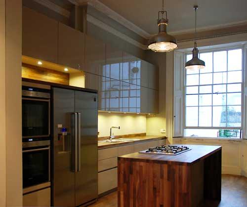 Cashmere handleless kitchen walnut worktops