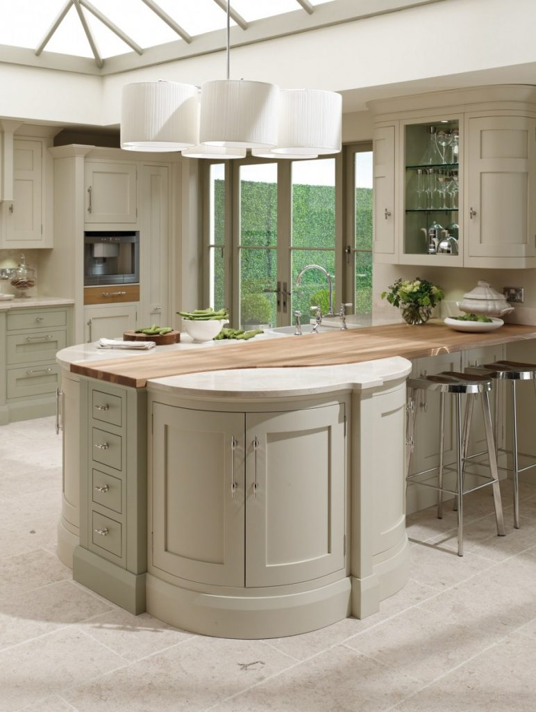 Shaker Curved Cupboards