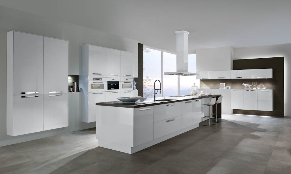 Brilliant White Kitchen Style
