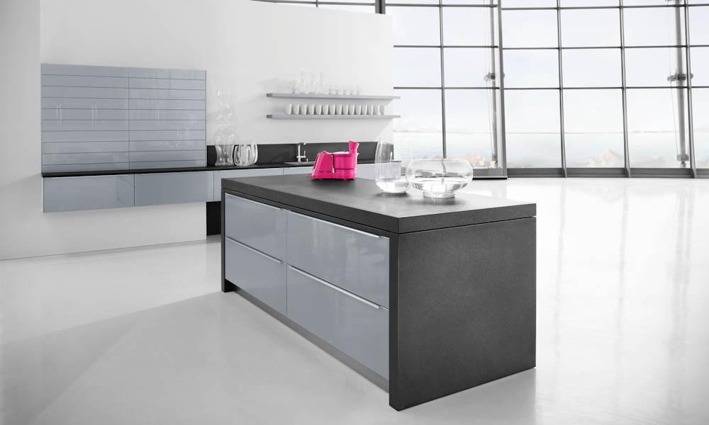Silver grey kitchen style for Kitchen design uckfield