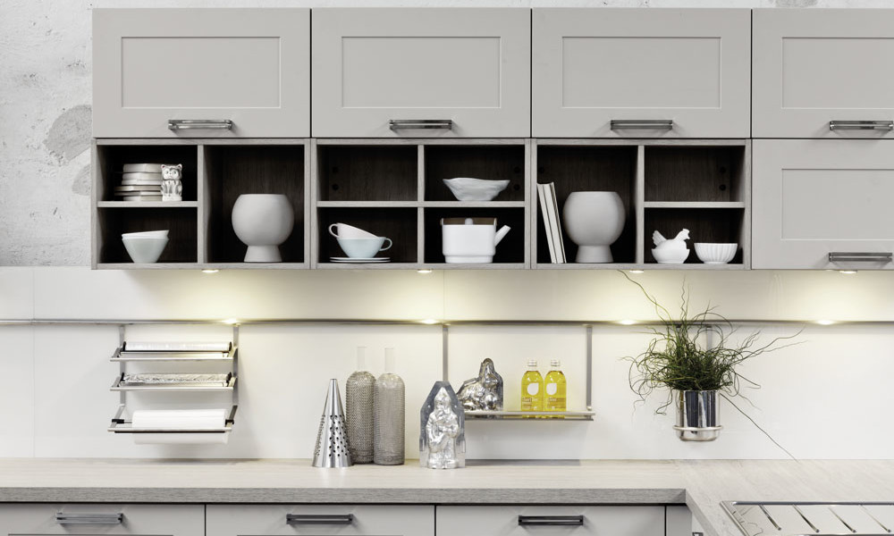 Contemporary white shaker kitchen style for Kitchen design uckfield