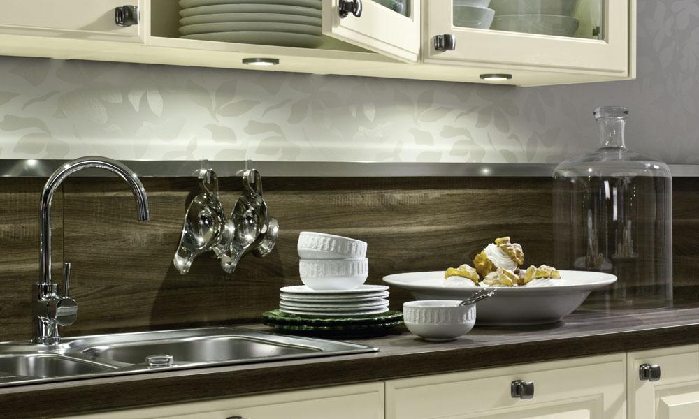 Buttermilk shaker kitchen style for Kitchen design uckfield