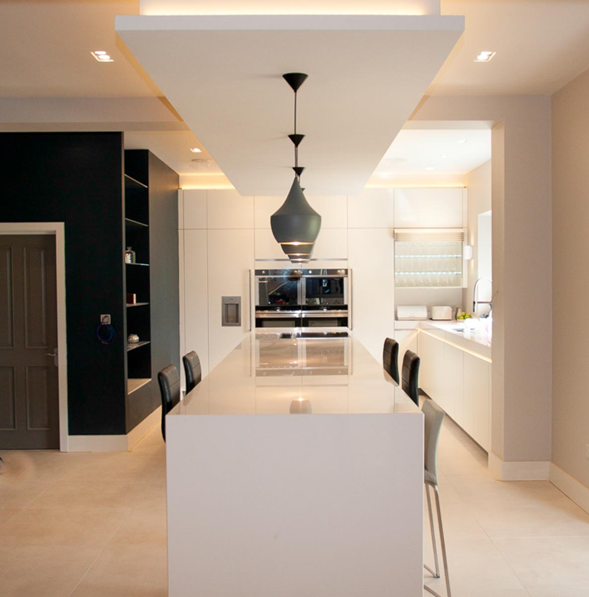 White Satin Lacquer Handle-less With Diamond White 100mm
