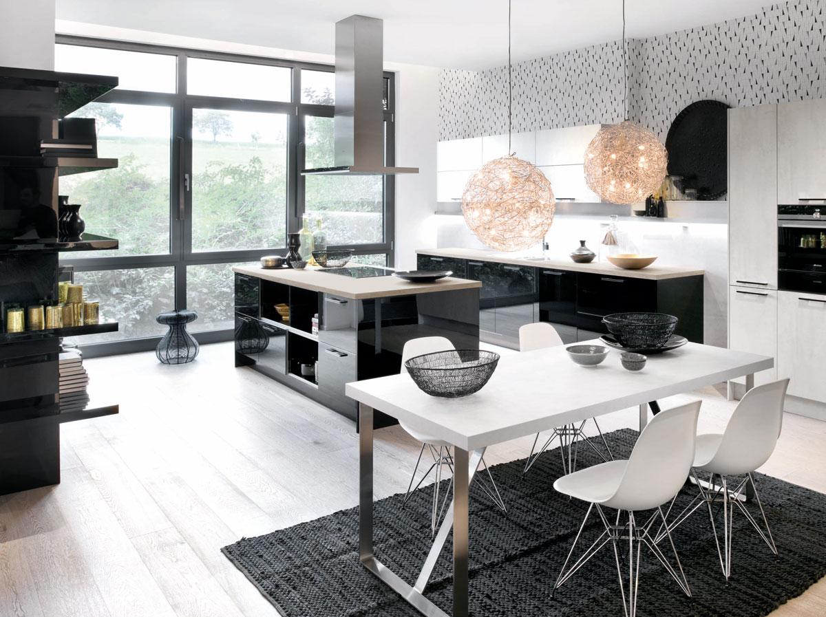 Black and white kitchen black rok kitchen design for Kitchen design uckfield