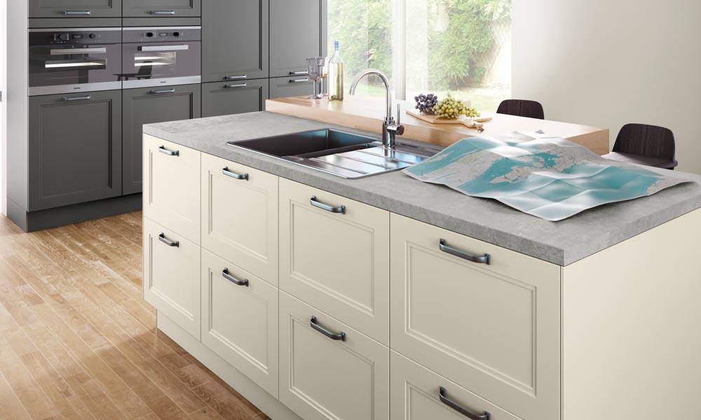 Ivory shaker kitchen for Kitchen design uckfield