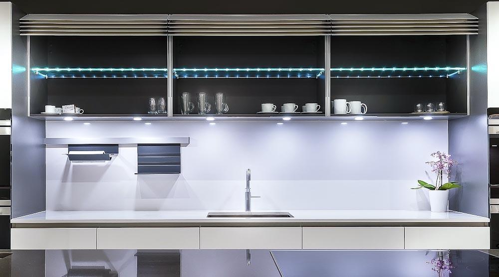 Showroom Hr White B 1000 Black Rok Kitchen Design Uckfield Sussex