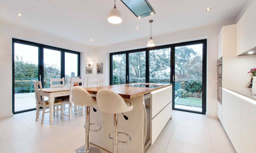 white kitchen burwash double aspect 1024