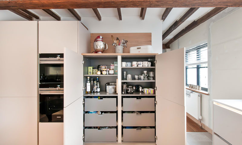 lewes-contemporary-kitchen-period-property-larder