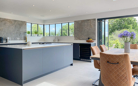 Dark Graphite kitchen with Alpine Shimmer quartz worktops