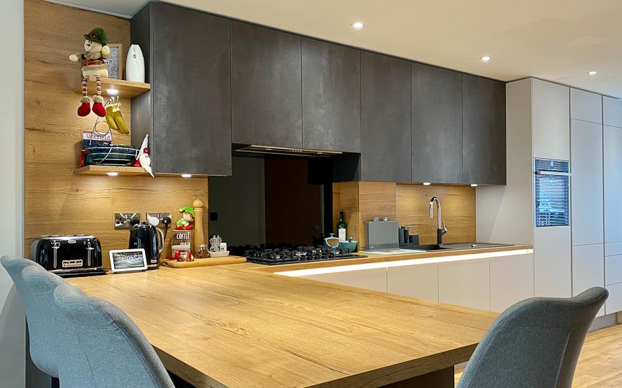 dark-grey-kitchen-oak-worktops-peninsular