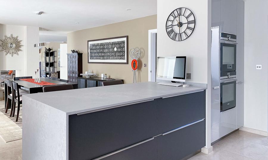 graphite matt kitchen island2