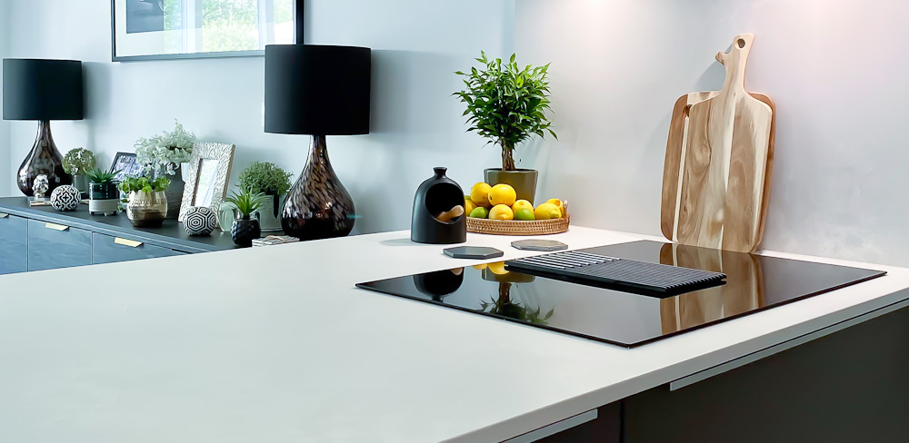 Black Rok kitchens Elica Hob